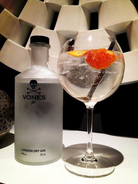 Cóctel con Vones Gin